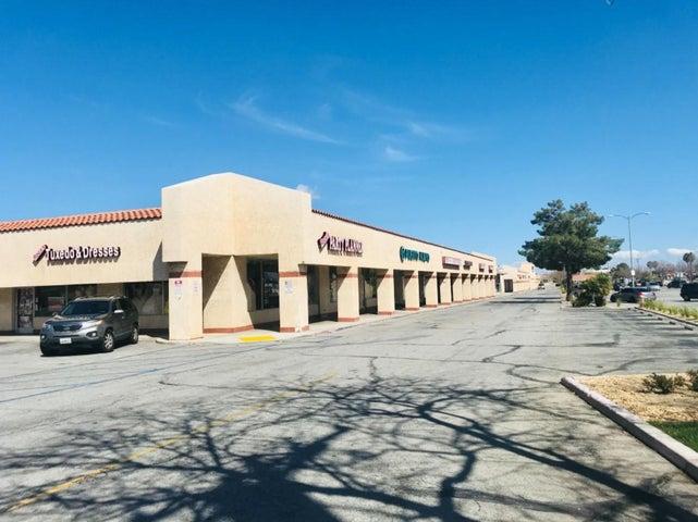 2049 E Palmdale Boulevard, 2049, Palmdale, CA 93550