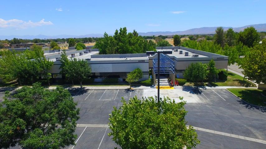 44300 Lowtree Avenue, 105, Lancaster, CA 93534