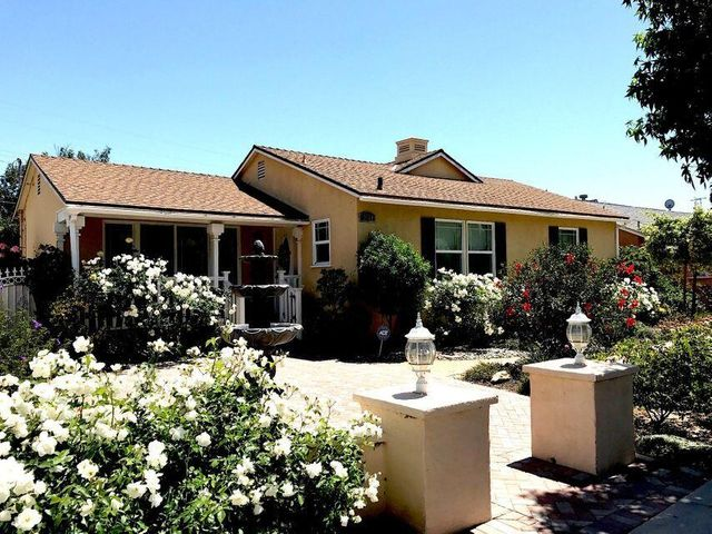 9750 Hayvenhurst Avenue, Northridge, CA 91324