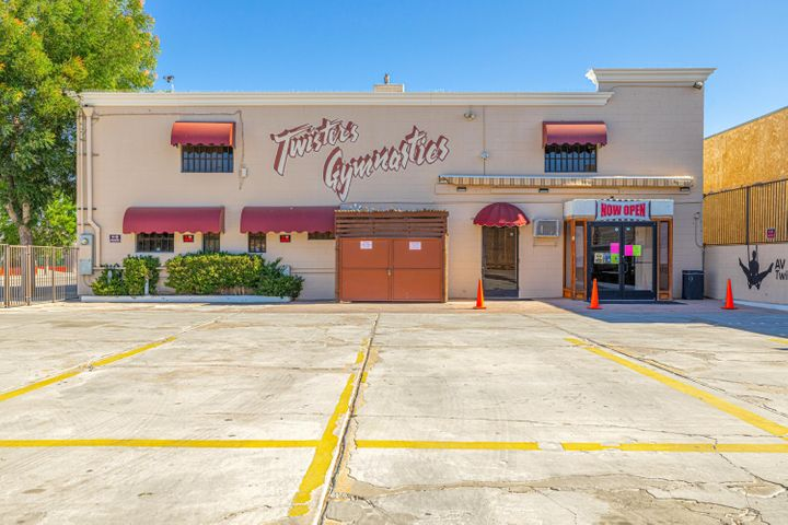 902 E Avenue Q6, Palmdale, CA 93550