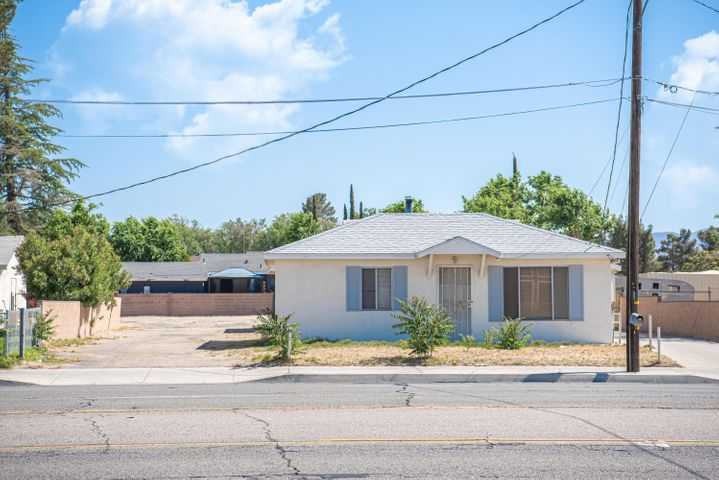 1810 W Ave K, Lancaster, CA 93534