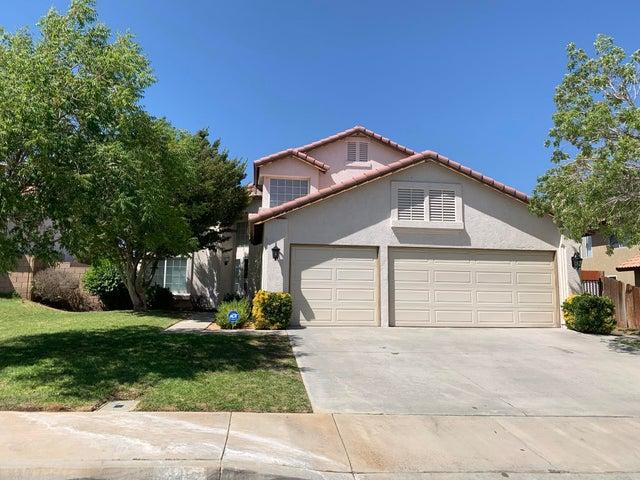 3115 Crowne Drive, Palmdale, CA 93551