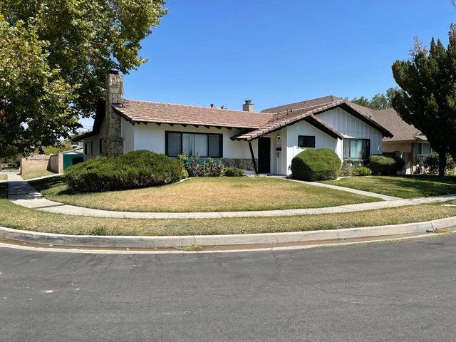 1553 Albret Street, Lancaster, CA 93534