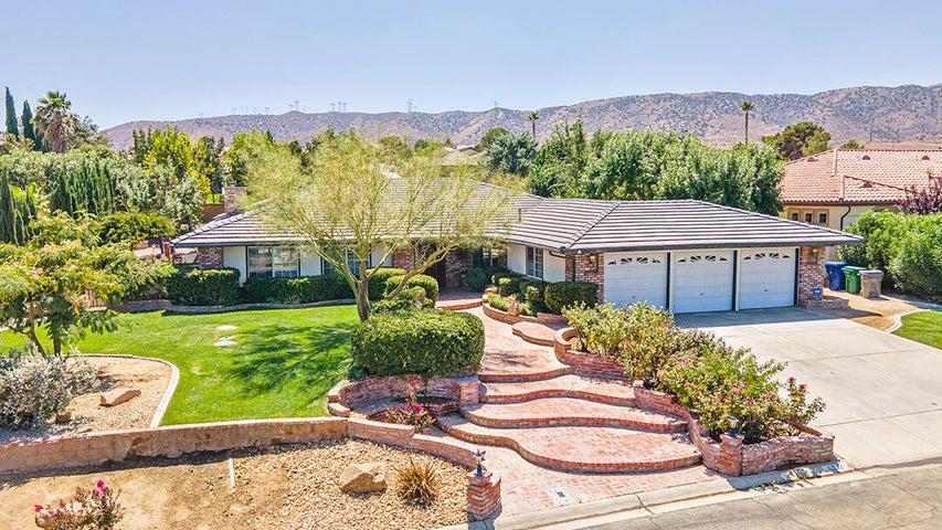 6332 Giovanni Way, Palmdale, CA 93551
