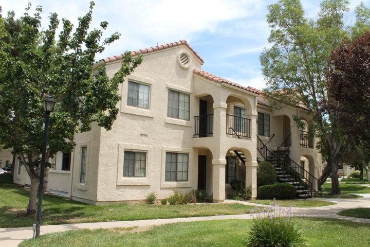 2554 Olive Drive, Apt 55, Palmdale, CA 93550