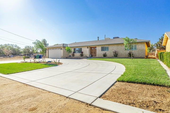 4548 W Avenue M6, Lancaster, CA 93536