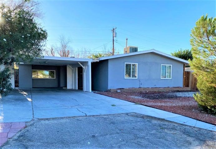 44713 Foxton Avenue, Lancaster, CA 93535