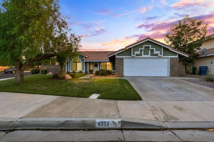 4352 Cocina Lane, Palmdale, CA 93551