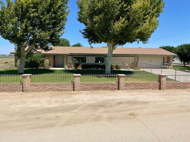 7263 E Avenue F8, Lancaster, CA 93535
