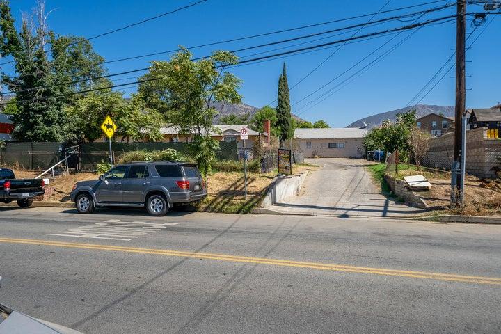 13148 Gladstone Avenue, Sylmar, CA 91342