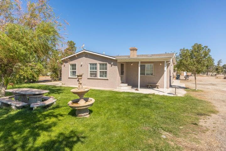 7985 W Avenue A, Rosamond, CA 93560