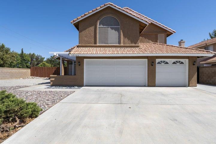 39566 Dunbar Street, Palmdale, CA 93551
