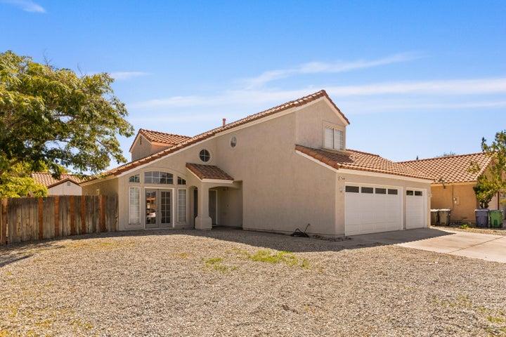 1544 Berkshire Drive, Palmdale, CA 93551