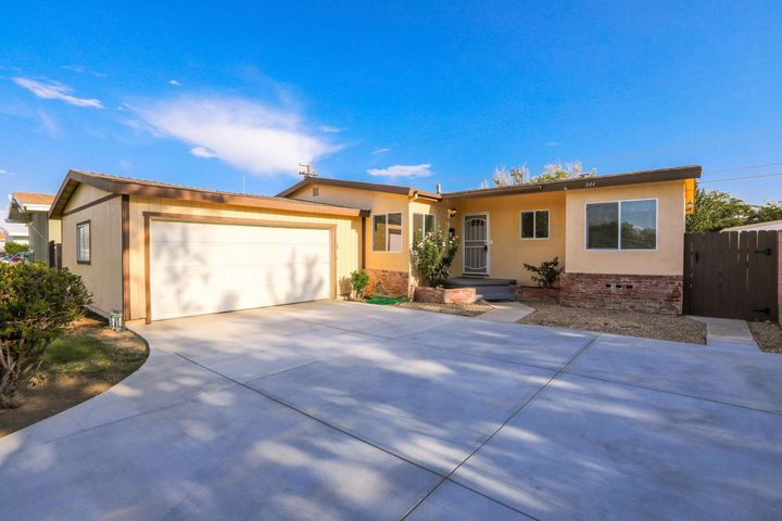 844 W Ave H 7, Lancaster, CA 93534