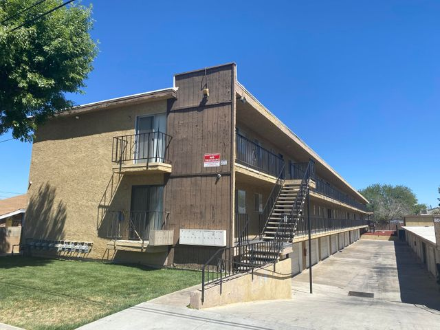 5041 W Avenue L14, 4, Lancaster, CA 93536