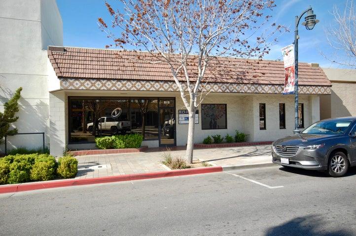 813 W Lancaster Boulevard, Lancaster, CA 93534