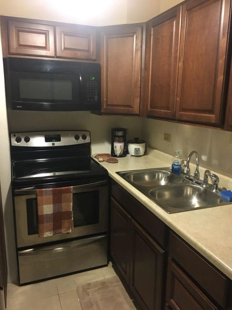 Nice upgraded kitchen!