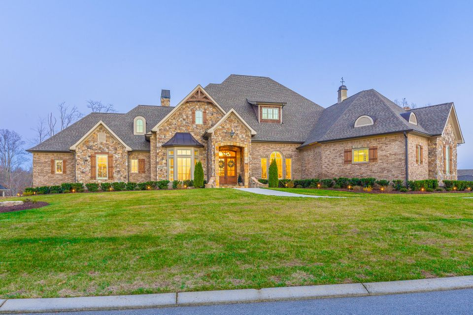 11000 Bridgestone Drive Chattanooga Home Listings - The Paula McDaniel Group - Real Estate Partners Chattanooga, LLC. Search For Chattanooga Real Estate For Sale With The Paula McDaniel Group. Voted the #1 Best of the Best Residential Realtor in 2016.