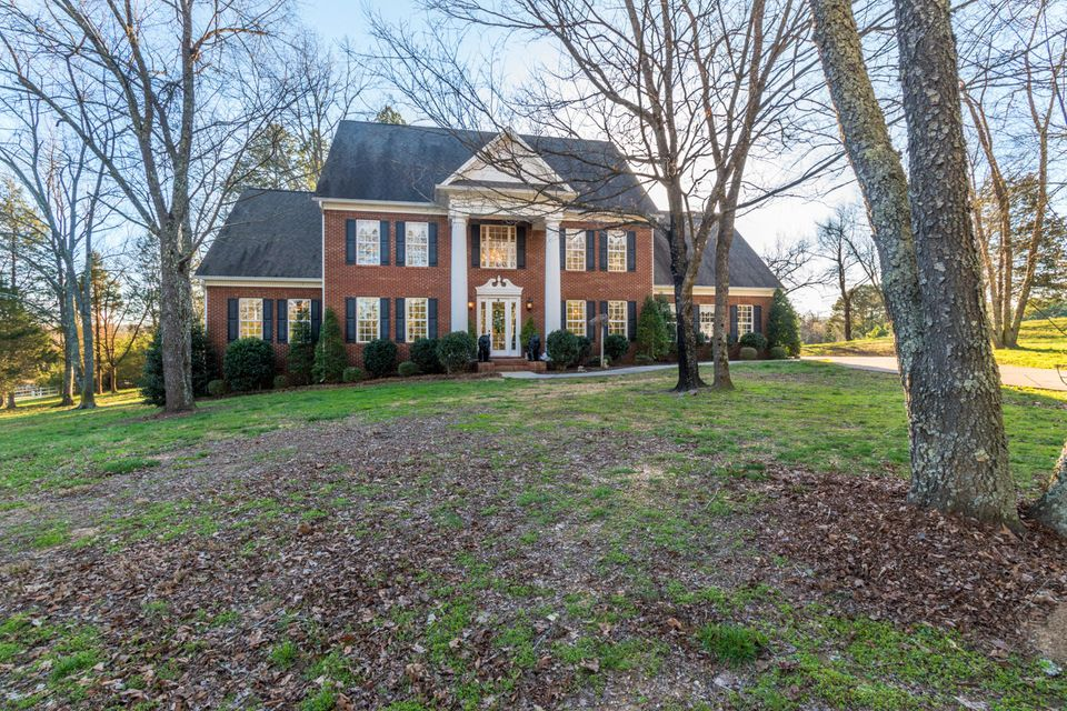 101 River Place Dr, Birchwood, TN 37308