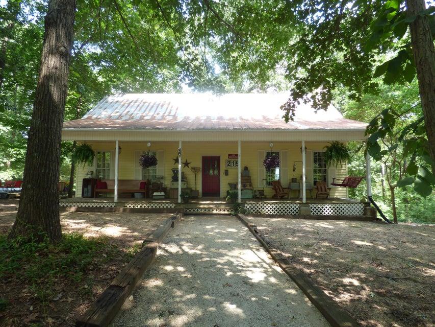 219 Sourwood Ln, Chickamauga, GA 30707