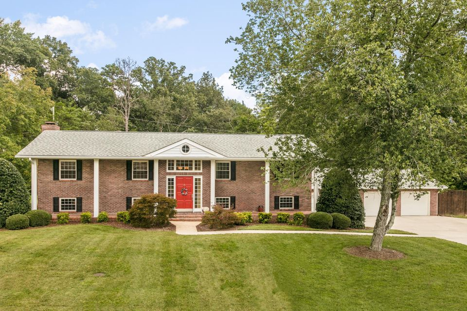 7450 Twin Brook Dr, Chattanooga, TN 37421