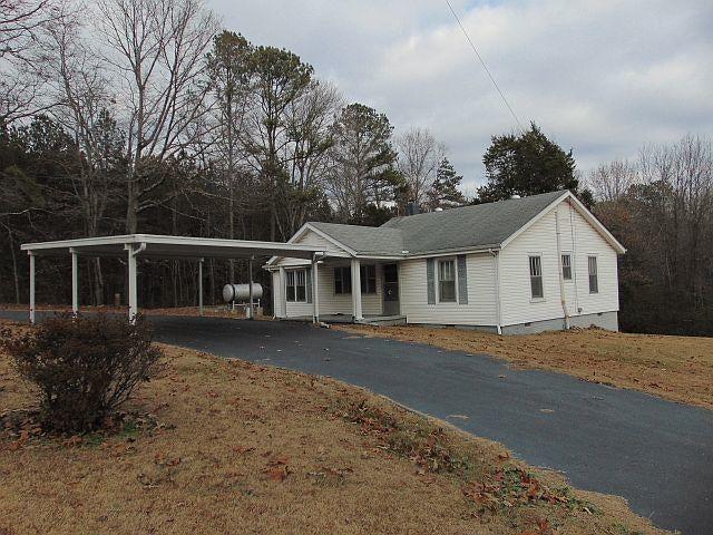 517 Johnson Rd, Chickamauga, GA 30707