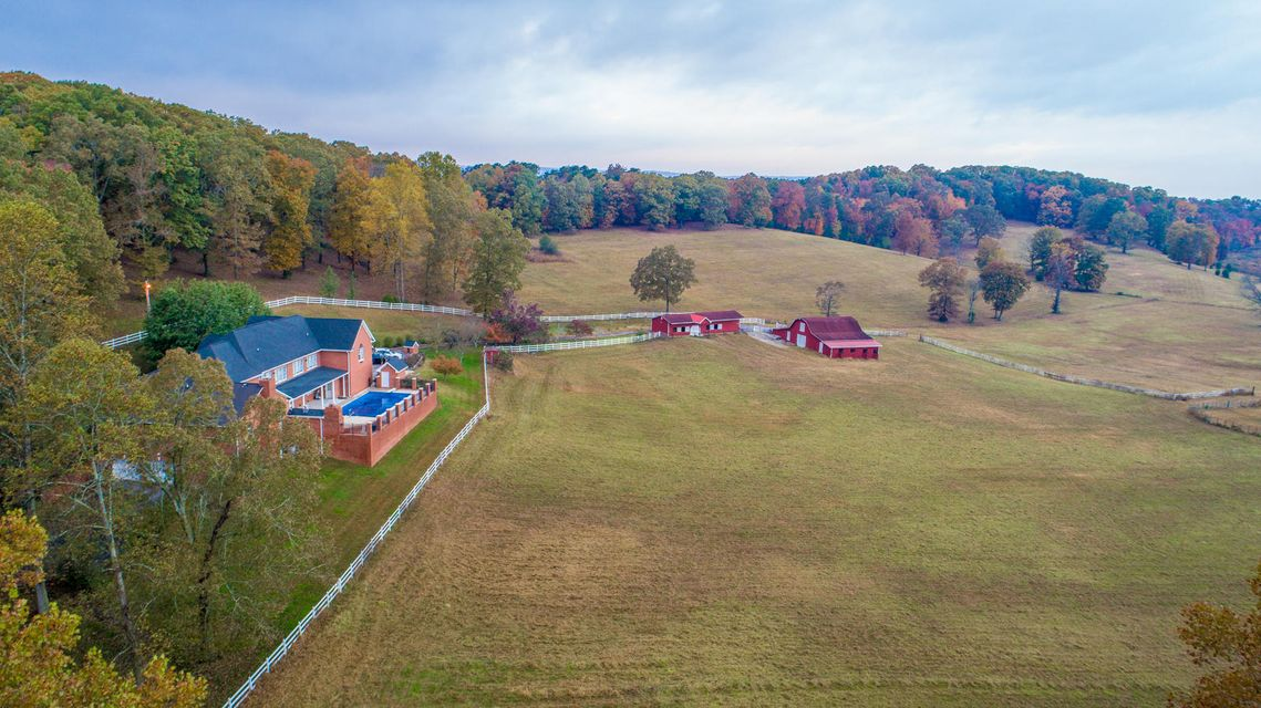 1523 Sequoyah Access Rd, Soddy Daisy, TN 37379
