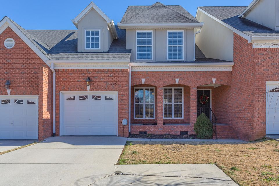8241 Double Eagle Ct, Ooltewah, TN 37363