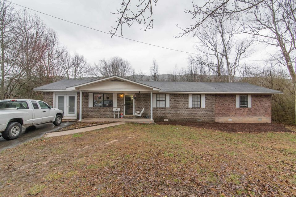 1057 W Valley Rd, Whitwell, TN 37397