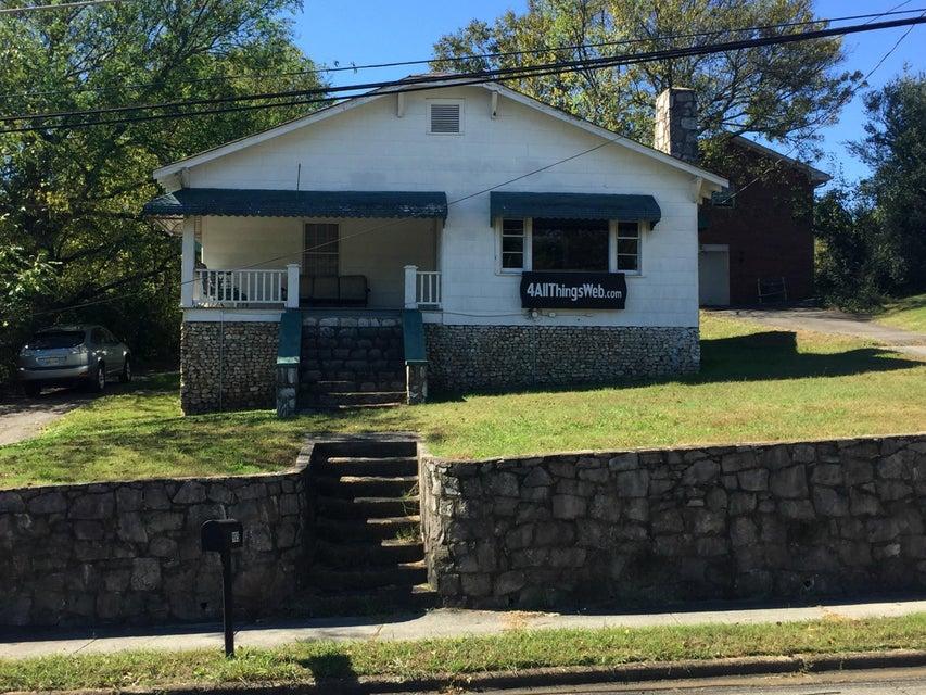 905 Lafayette Rd, Rossville, GA 30741