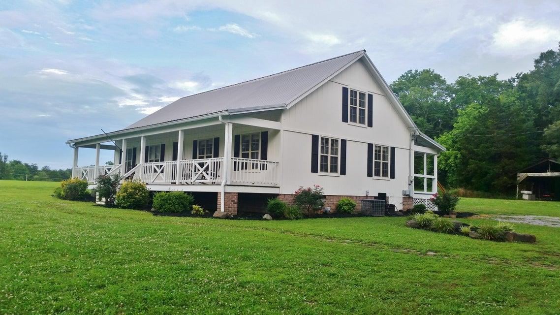 115 Meadow Dr, Chickamauga, GA 30707