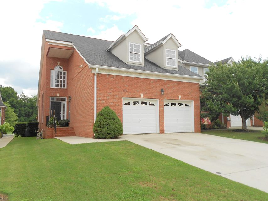 8249 Double Eagle Ct, Ooltewah, TN 37363