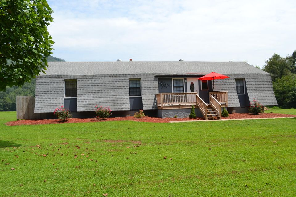 612 Coppinger Cove Rd, Sequatchie, TN 37374