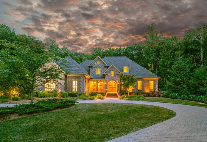 Homes for sale on signal mountain tn luxury properties for Home builders in chattanooga tn