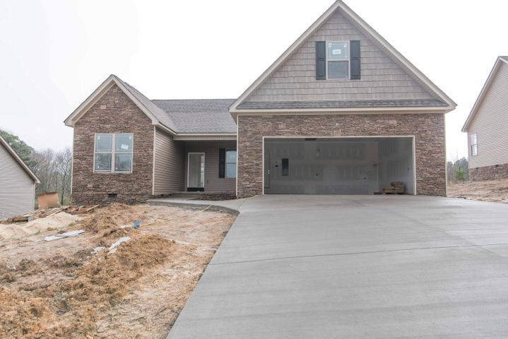 35 Cheshire Crossing Dr, Rock Spring, GA 30739