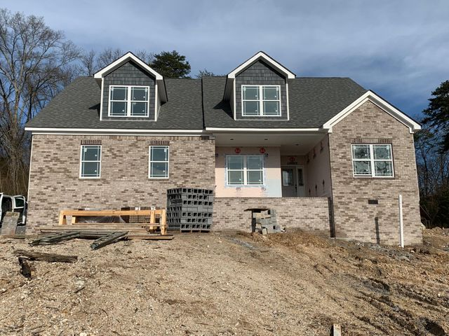 Beautiful home in a newer Chattanooga community just minutes to N. Chatt, downtown, and Hamilton Place.