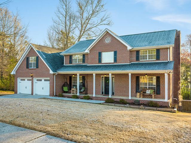 Welcome Home to Ooltewah's Timber Trace Subdivision!