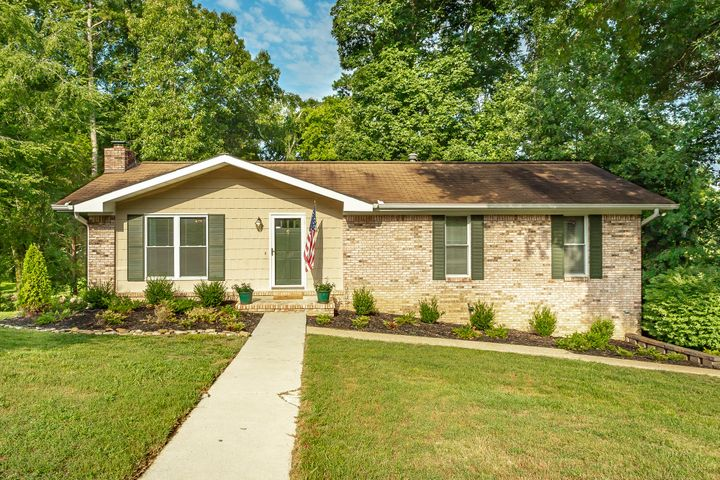 2427 Hickory Ridge Dr, Chattanooga, TN 37421