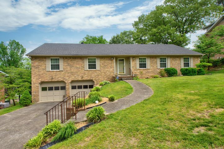 1204 Forest Green Dr, Chattanooga, TN 37412