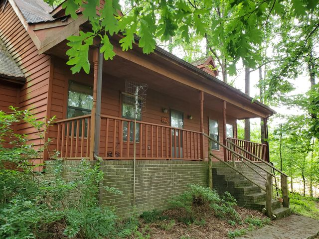 296 Old Lake Rd, Tunnel Hill, GA 30755