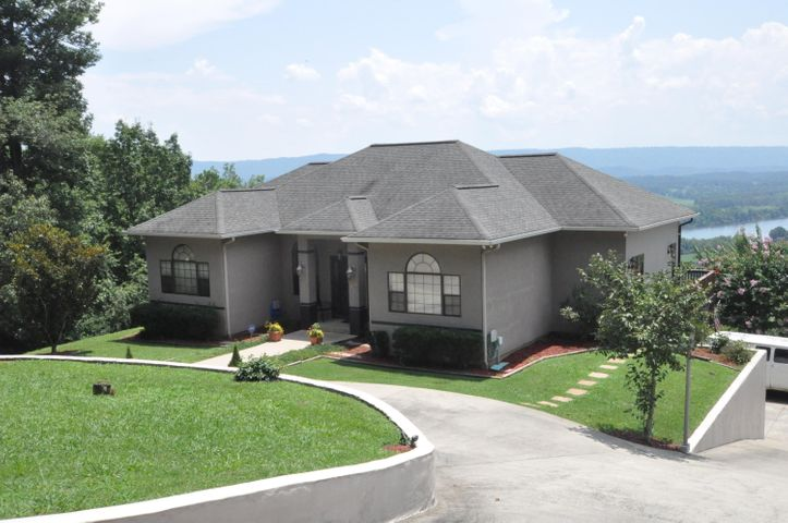 380 Riverview Dr, South Pittsburg, TN 37380