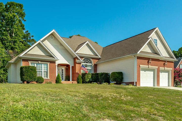 1121 Cody Ln, Soddy Daisy, TN 37379