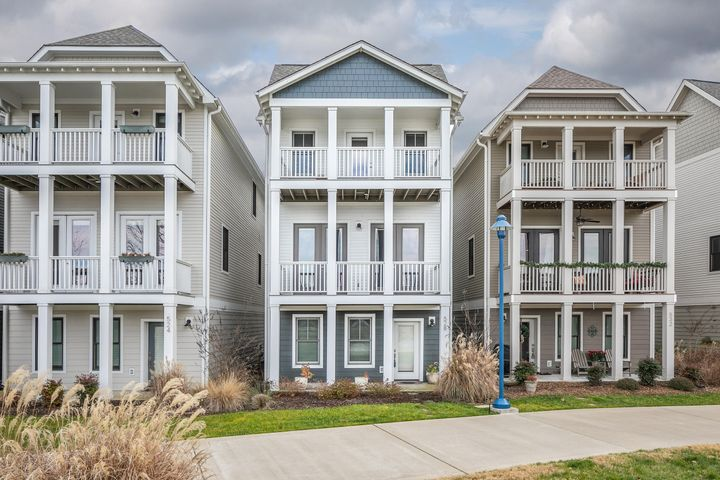 Welcome to Cameron Harbor, the only waterfront community in downtown Chattanooga. Take advantage of this rare opportunity to own one the few riverfront homes.  This spacious 3 bedroom/3.5 bathroom home is conveniently located within walking distance of all Chattanooga has to offer. Two of Chattanooga's newest restaurants are just steps away. This home features all the upgrades, with hardwood throughout and an open concept kitchen, dining and living room on the main floor. The kitchen has high-end appliances and an oversized island with marble countertops. Double French doors allow for an extension of your living space onto your private balcony overlooking the river. Each of the three bedrooms has its own private bathroom and walk-in closet.  Bathrooms include granite vanities and tile showers.   Community amenities include a private resort style pool and fitness center. Step out your front door onto the Riverwalk where you can walk, run or bike for miles.  Whether entertaining guests or enjoying outdoor activities, there is something for everyone at Cameron Harbor.