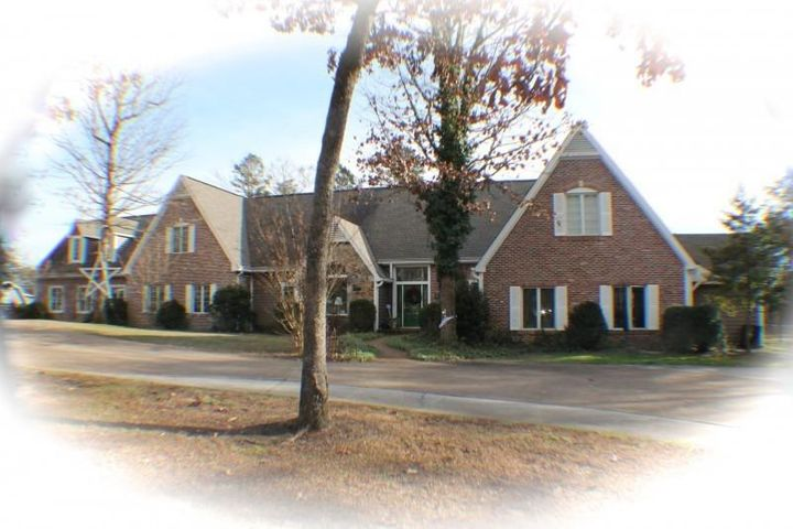 707 Mount Olive Rd, Lookout Mountain, GA 30750