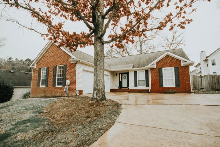LOCATION, LOCATION, LOCATION!!This home is zone for the desirable West View Elementary and East Hamilton schools! 316 Cyndica has be beautifully updated and offers the ever popular open floor plan and split bedroom concept. You do not want to miss your opportunity to see this home! Come to our open house Sunday February 17, 2019 to see all the updates for yourself!!These sellers have beautifully updated this home with all the latest trends!