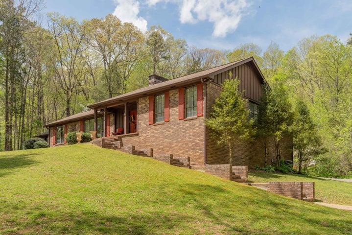 521 Lake Hills Dr, Trenton, GA 30752