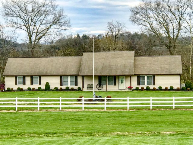 135 Transport Dr, Newport, TN 37821