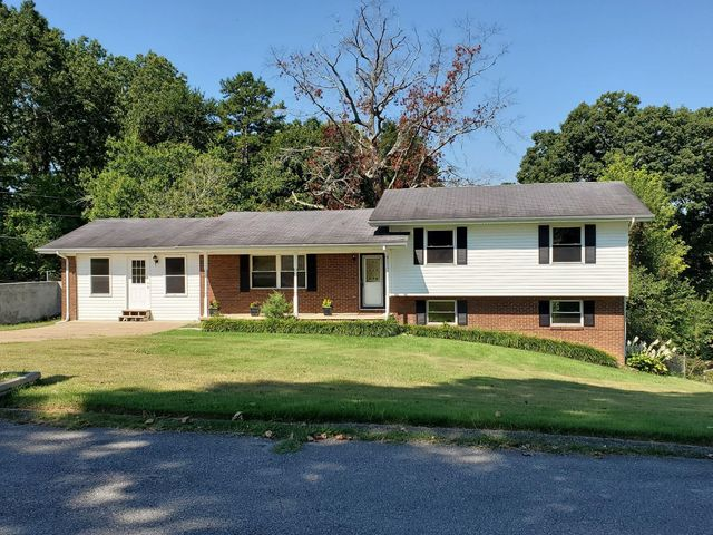 1604 Colorado St, Hixson, TN 37343