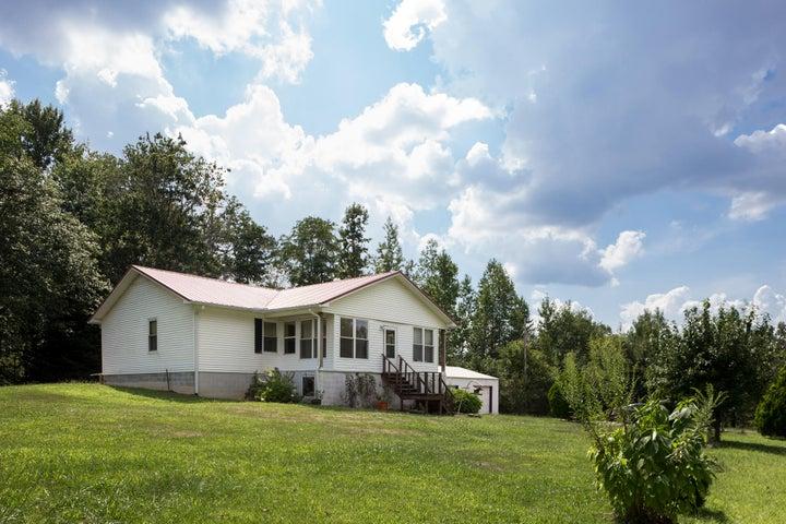 1563 County Road 497, Flat Rock, AL 35966
