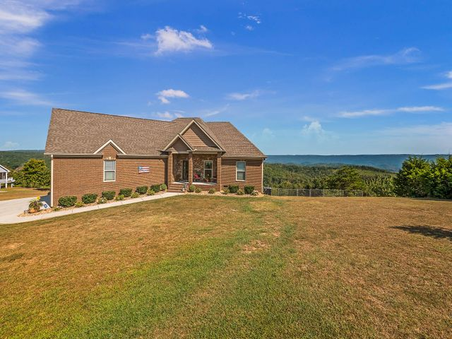 292 S Deer Run Rd, Trenton, GA 30752